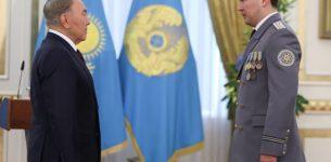 Что может помешать Путину пойти путем Назарбаева?