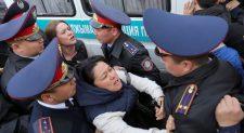 Токаев выстрелил себе вногу как политик. Кажегельдин рассуждает оситуации вКазахстане