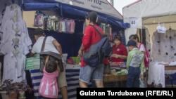Рынок «Дордой» в Бишкеке.