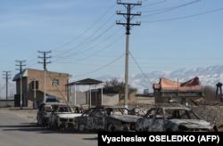 Сгоревшие автомобили в селе Булар-батыр. Жамбылская область, 8 февраля 2020 года.